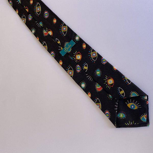 corbata ojos